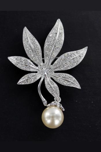 brooche-jewelry