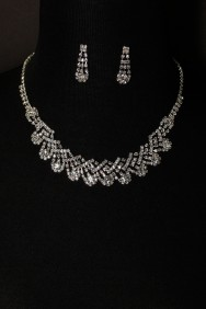 10118-6 snow ball round necklace set