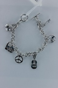 B90008 Lucy charm guitar togger bracelet