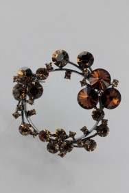 BR147 Flower circle brooch