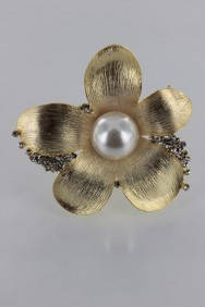 BR154 Large Kelly Pearl Brooch