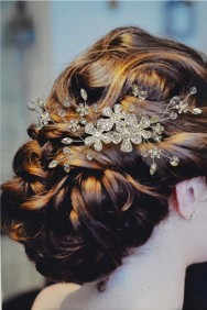 ICO2034-21 Daisy hair comb with crystal