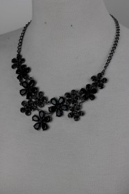 N22 Flower necklace
